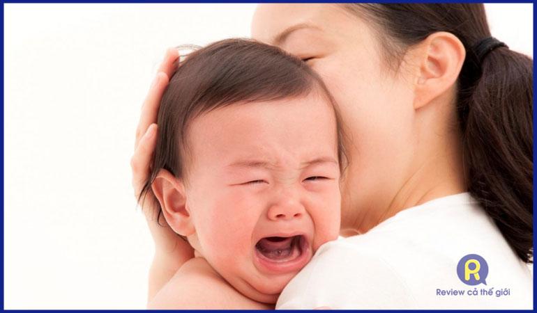 Cách xử lý khi trẻ sốt