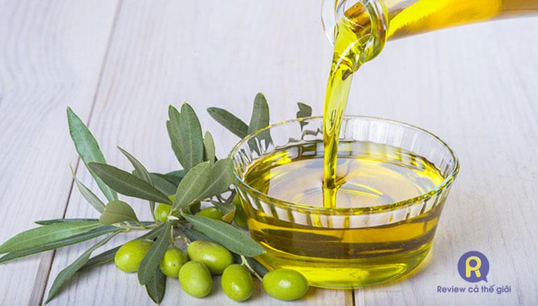 Cách dùng dầu gội oliu với tóc để phát huy tác dụng tốt nhất