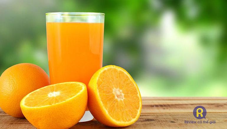 Trẻ nên bổ sung nước hoa quả