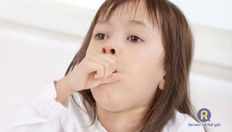 Hút mũi khi trẻ vừa ăn no gây buồn nôn