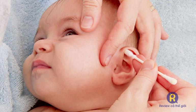 Viêm tai giữa ở trẻ sơ sinh có nguy hiểm không